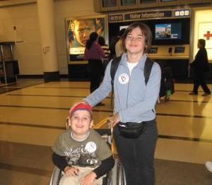 Damian z mama na lotnisku O'Hare